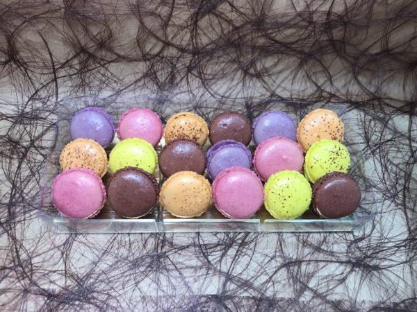 Macarons x18